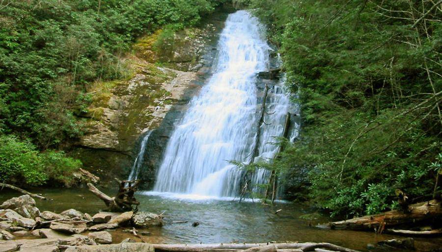 Waterfalls in Georgia: Helton Creek Falls